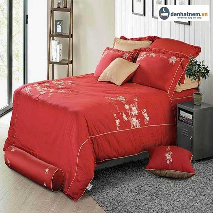 Bắt Trend mẫu chăn ga gối màu đỏ cho phòng ngủ hiện đại