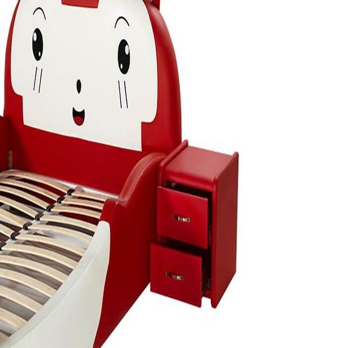 giường diamond baby được làm từ gỗ thông tự nhiên
