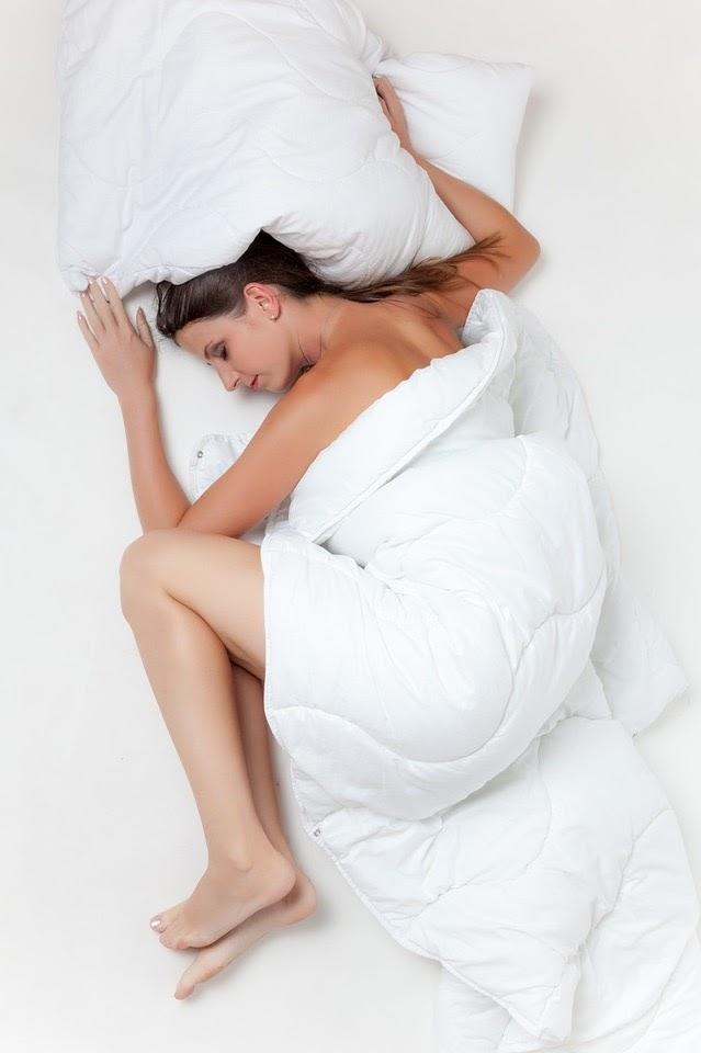 Co người khi ngủ quá lâu sẽ dễ bị đau mỏi lưng